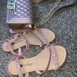 Perfect combo, sandals with FREE purse. !!!!